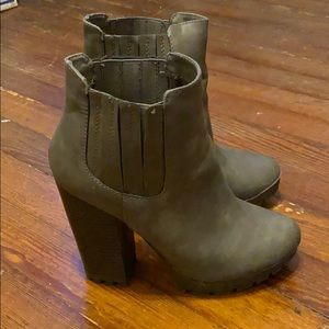 Candies ankle bootie